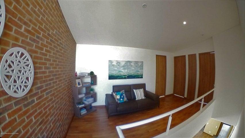 Casa Cundinamarca>Cajica>Calahorra - Venta:858.000.000 Pesos - codigo: 19-626