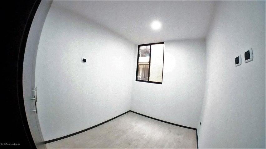 Apartamento Bogota D.C.>Bogota>La Granja - Venta:250.000.000 Pesos - codigo: 19-691