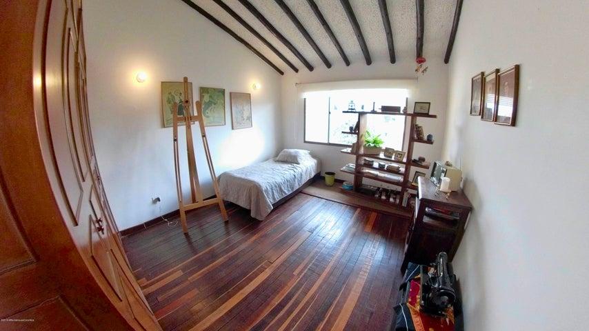Casa Cundinamarca>Chia>20 de Julio - Venta:950.000.000 Pesos - codigo: 19-717