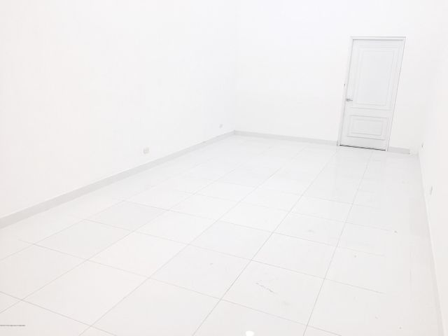 Local Comercial Cundinamarca>Madrid>Hacienda Casablanca - Arriendo:2.900.000 Pesos - codigo: 19-736