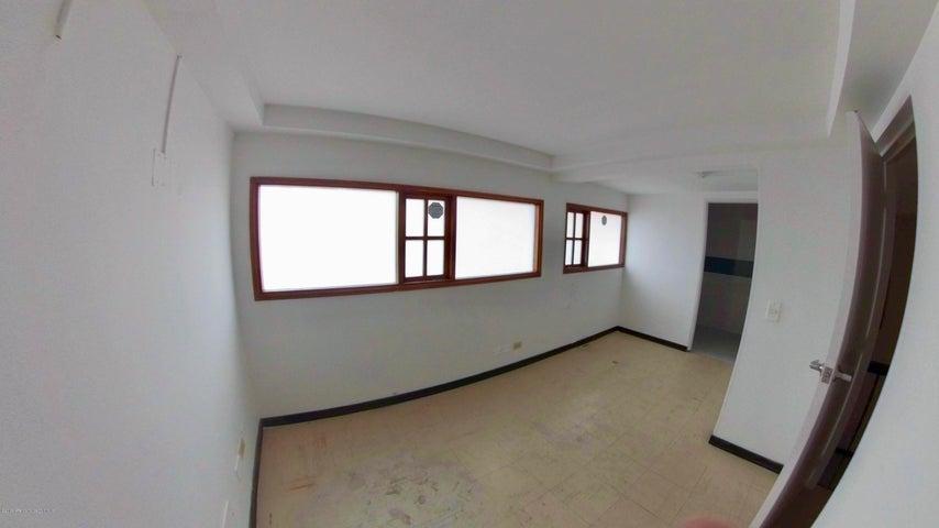 Edificio Bogota D.C.>Bogota>Santa Barbara Central - Arriendo:24.000.000 Pesos - codigo: 19-757