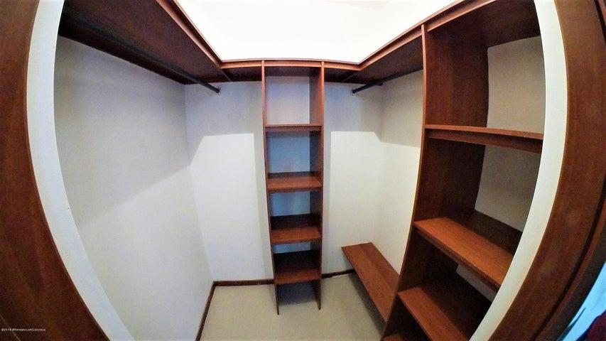 Apartamento Bogota D.C.>Bogota>Colina Campestre - Venta:450.000.000 Pesos - codigo: 19-766