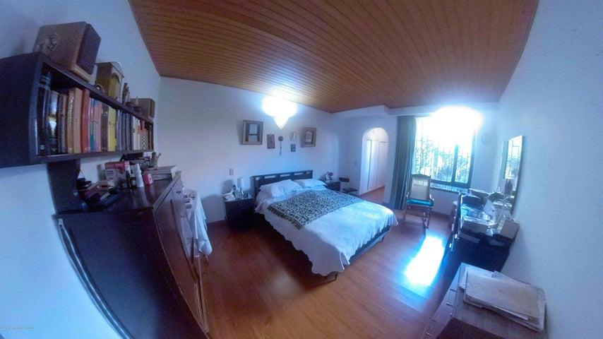 Apartamento Bogota D.C.>Bogota>Nueva Autopista - Venta:535.000.000 Pesos - codigo: 19-787