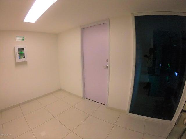 Local Comercial Bogota D.C.>Bogota>Chapinero Central - Venta:5.500.000.000 Pesos - codigo: 19-796