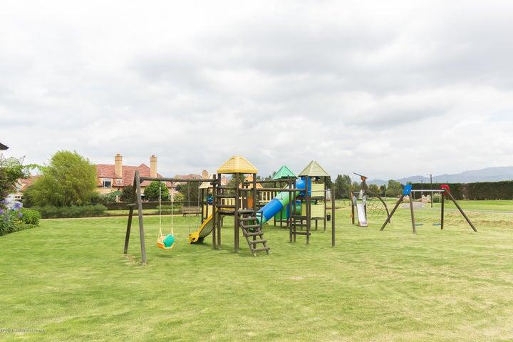 Casa Cundinamarca>Chia>Santa Ana Chia - Venta:1.850.000.000 Pesos - codigo: 19-813
