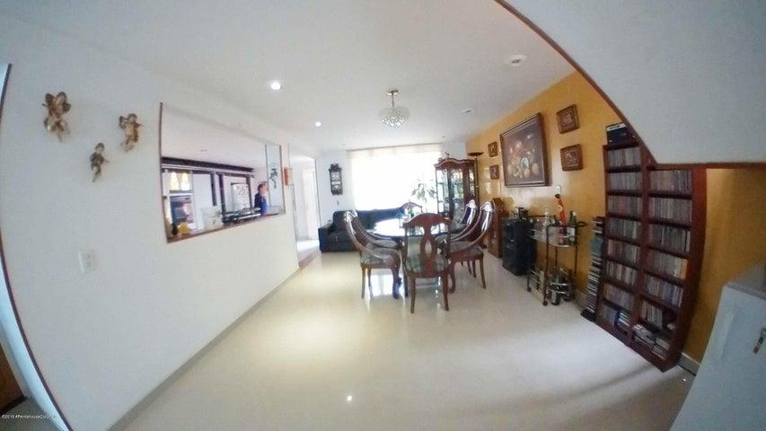 Casa Bogota D.C.>Bogota>Cedritos - Venta:800.000.000 Pesos - codigo: 19-823
