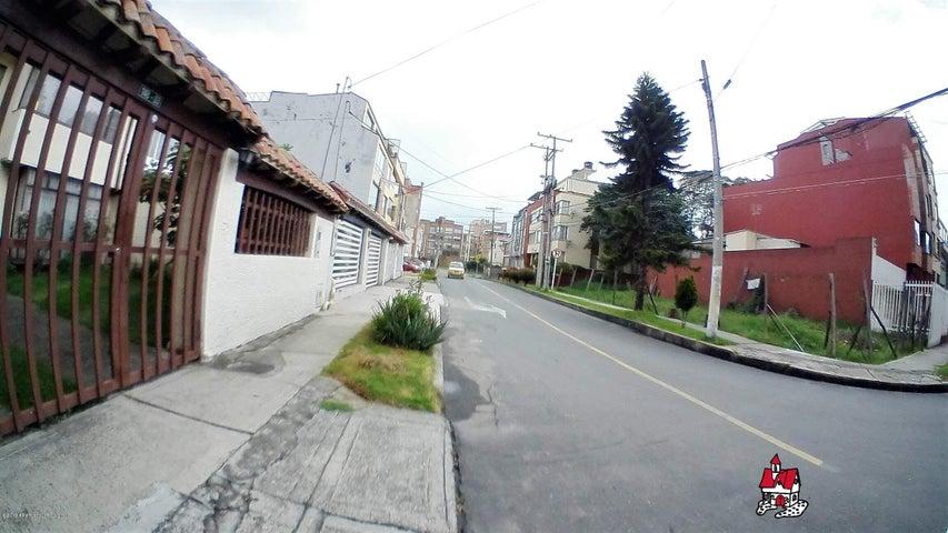 Casa Bogota D.C.>Bogota>Cedritos - Arriendo:4.300.000 Pesos - codigo: 19-824