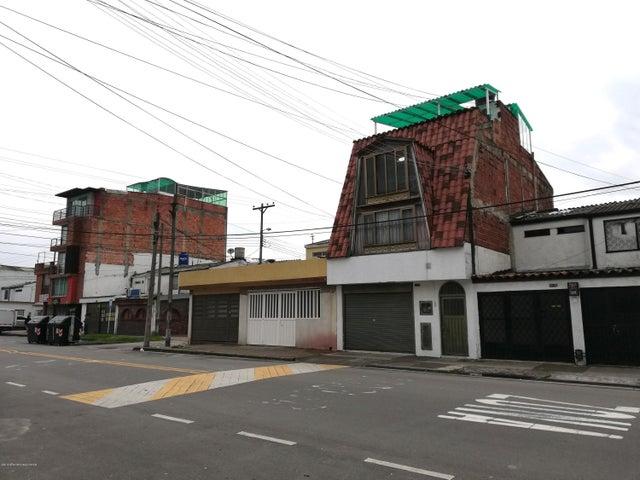 Casa Bogota D.C.>Bogota>Villas del Madrigal - Venta:620.000.000 Pesos - codigo: 19-827