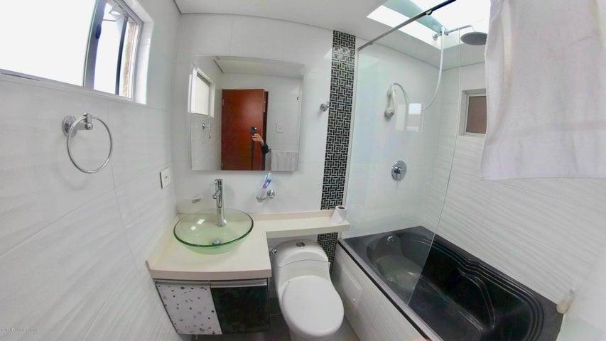 Casa Bogota D.C.>Bogota>Batan - Venta:1.100.000.000 Pesos - codigo: 19-831