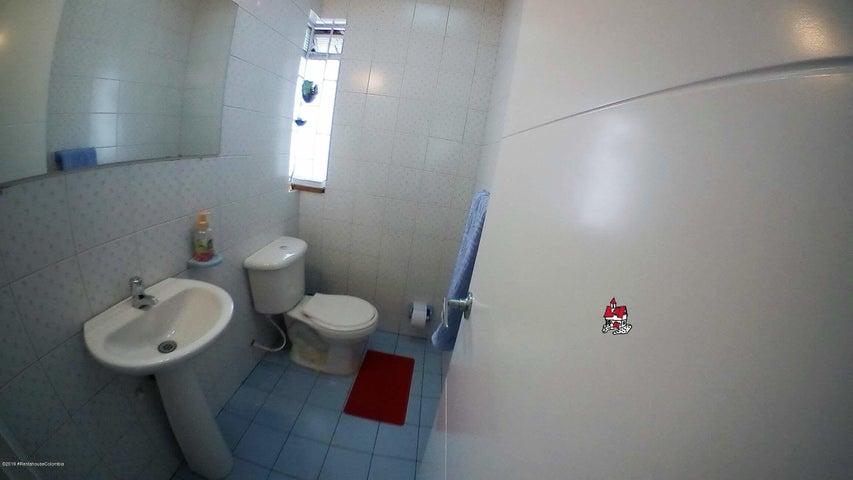 Casa Bogota D.C.>Bogota>Nueva Autopista - Venta:1.600.000.000 Pesos - codigo: 19-840