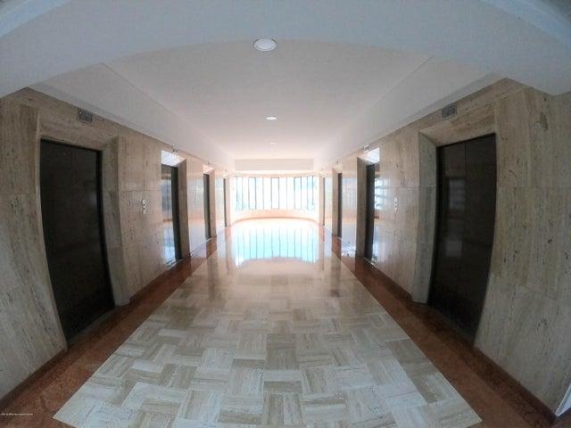 Oficina Bogota D.C.>Bogota>Chico Norte - Arriendo:9.900.000 Pesos - codigo: 19-845