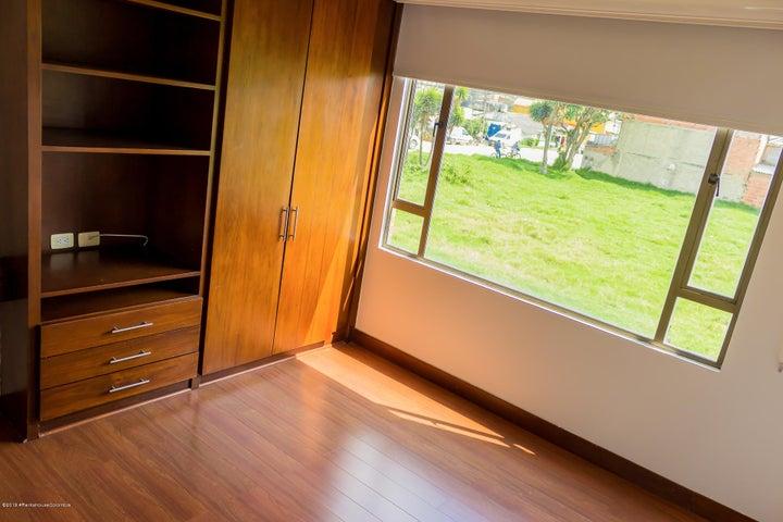 Casa Cundinamarca>Chia>Vereda Bojaca - Arriendo:4.200.000 Pesos - codigo: 19-875