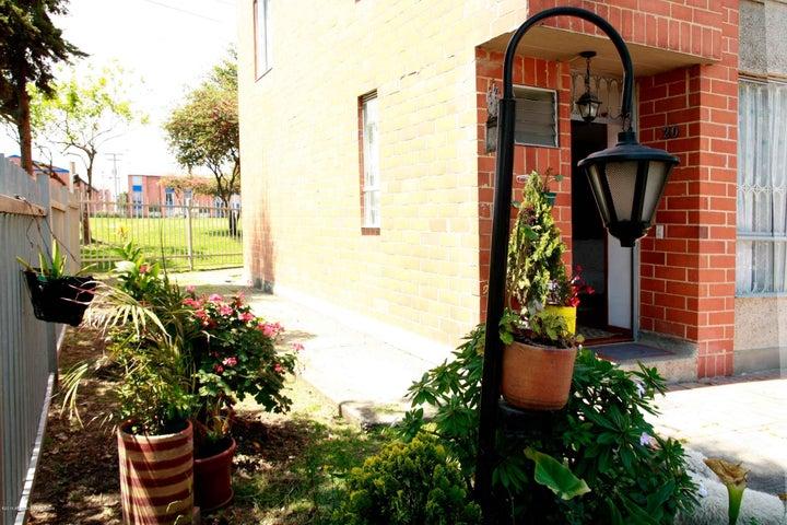 Casa Cundinamarca>Mosquera>El Trebol - Venta:270.000.000 Pesos - codigo: 19-883