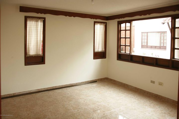 Casa Cundinamarca>Chia>Sabana Centro - Venta:390.000.000 Pesos - codigo: 19-900