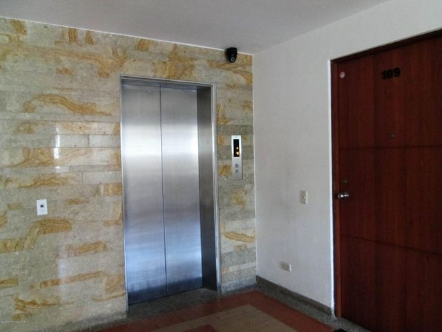 Apartamento Bogota D.C.>Bogota>La Alameda - Venta:440.000.000 Pesos - codigo: 19-907