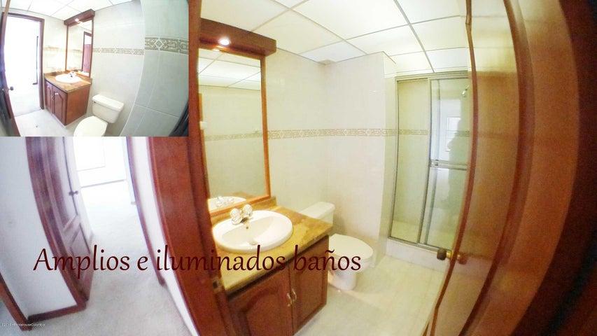 Apartamento Bogota D.C.>Bogota>Chico Navarra - Venta:1.100.000.000 Pesos - codigo: 19-948