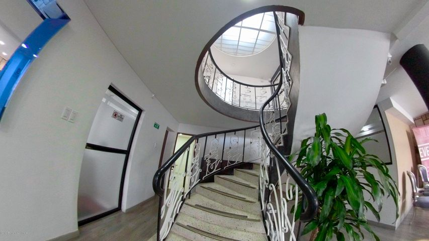 Oficina Bogota D.C.>Bogota>La Castellana - Arriendo:1.200.000 Pesos - codigo: 19-955