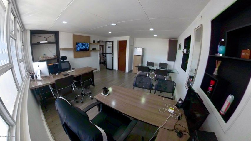 Oficina Bogota D.C.>Bogota>La Castellana - Arriendo:4.500.000 Pesos - codigo: 19-953