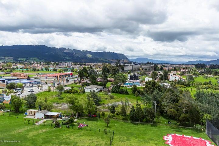 Consultorio Cundinamarca>Cajica>Calahorra - Arriendo:2.300.000 Pesos - codigo: 19-974