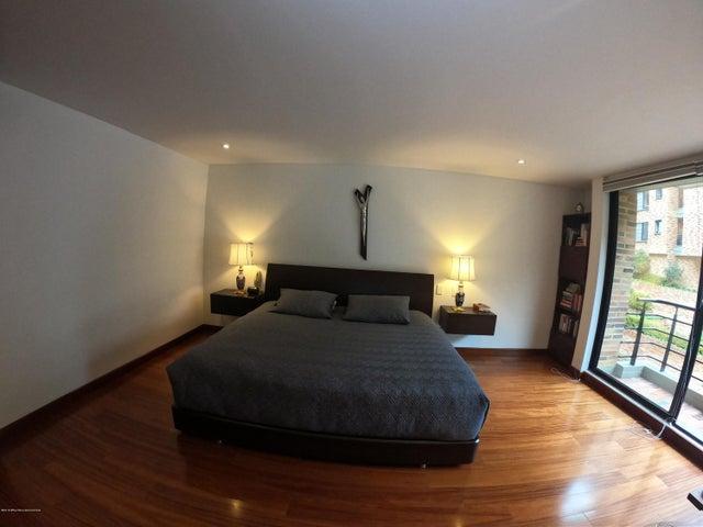 Apartamento Bogota D.C.>Bogota>Bella Suiza - Venta:1.600.000.000 Pesos - codigo: 19-1009