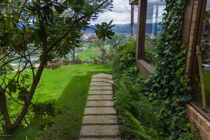 Casa Cundinamarca>Chia>Altos de Hycata - Venta:2.500.000.000 Pesos - codigo: 19-1033