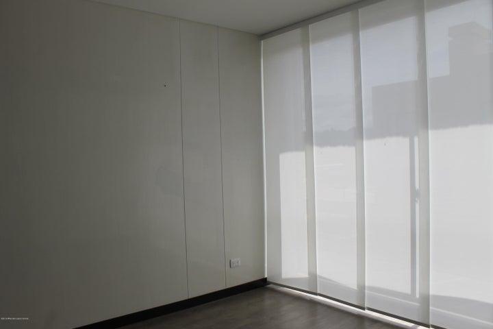 Casa Cundinamarca>Cajica>Calahorra - Venta:800.000.000 Pesos - codigo: 19-1026