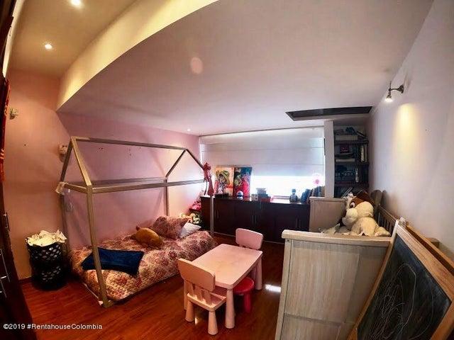 Casa Bogota D.C.>Bogota>Santa Paula - Venta:1.450.000.000 Pesos - codigo: 19-1035