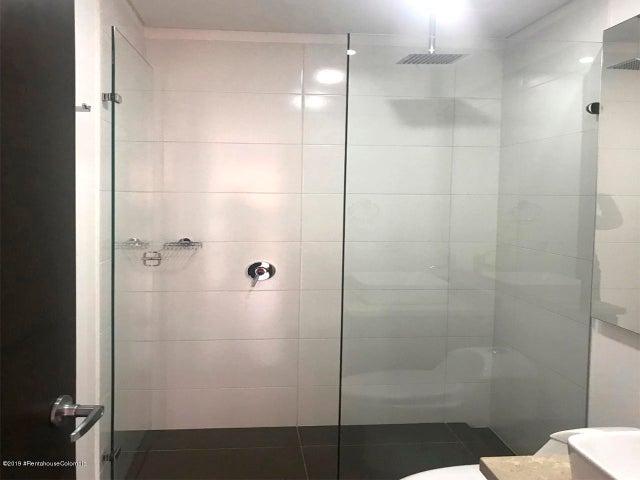 Apartamento Bogota D.C.>Bogota>Chico Navarra - Venta:450.000.000 Pesos - codigo: 19-1052