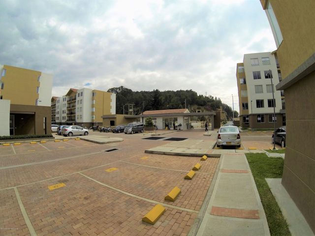 Apartamento Cundinamarca>Madrid>Hacienda Casablanca - Venta:170.000.000 Pesos - codigo: 19-1095