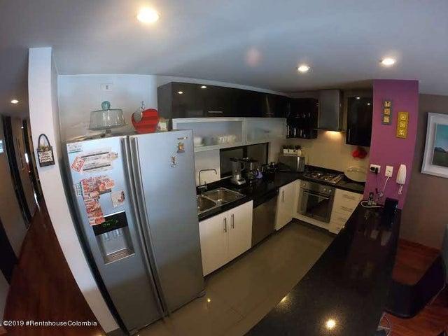 Apartamento Bogota D.C.>Bogota>Antiguo Country - Venta:850.000.000 Pesos - codigo: 19-1213