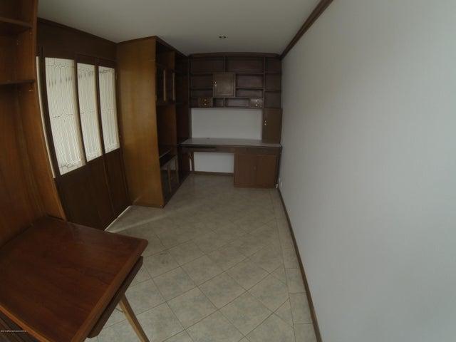 Apartamento Bogota D.C.>Bogota>La Carolina - Arriendo:3.500.000 Pesos - codigo: 19-1292