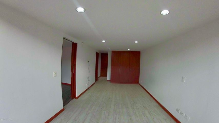 Apartamento Bogota D.C.>Bogota>Santa Barbara - Venta:750.000.000 Pesos - codigo: 19-1296