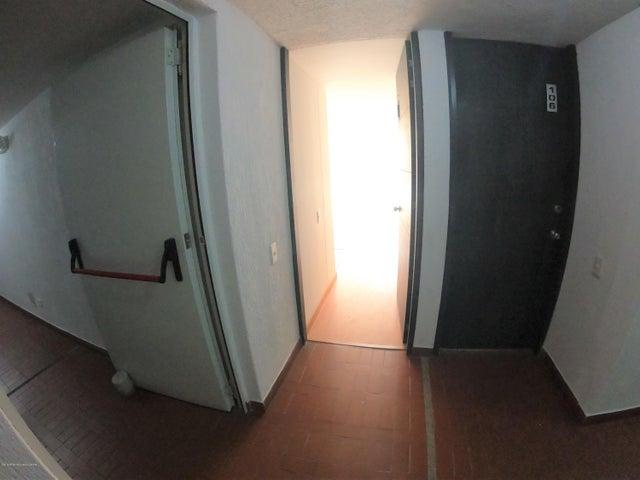Apartamento Bogota D.C.>Bogota>Aures II - Venta:198.000.000 Pesos - codigo: 20-243