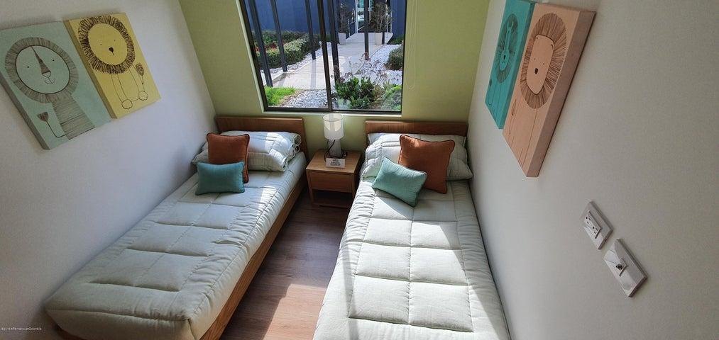 Apartamento Bogota D.C.>Bogota>Colina Campestre - Venta:401.500.000 Pesos - codigo: 20-210