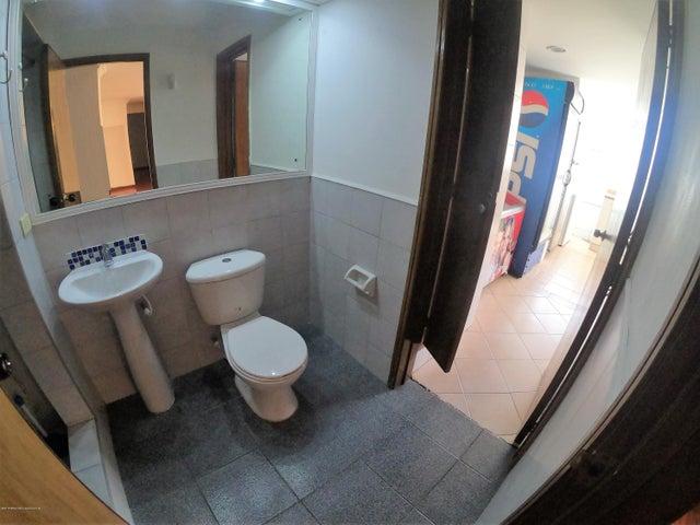 Apartamento Bogota D.C.>Bogota>Altos del Chico - Arriendo:3.500.000 Pesos - codigo: 20-398