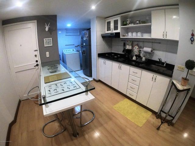 Apartamento Bogota D.C.>Bogota>Los Rosales - Arriendo:3.800.000 Pesos - codigo: 20-400