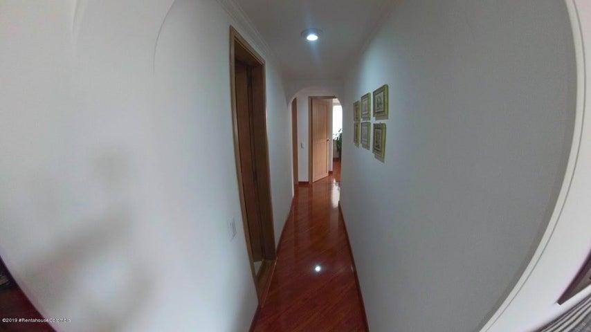 Apartamento Bogota D.C.>Bogota>Bella Suiza - Venta:410.000.000 Pesos - codigo: 20-418