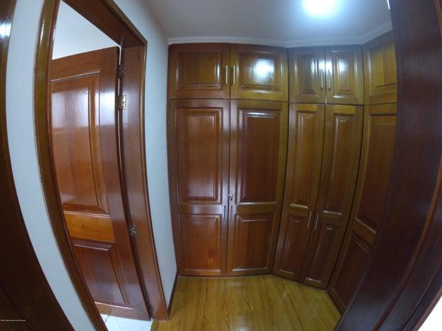 Apartamento Bogota D.C.>Bogota>La Calleja - Venta:650.000.000 Pesos - codigo: 20-431