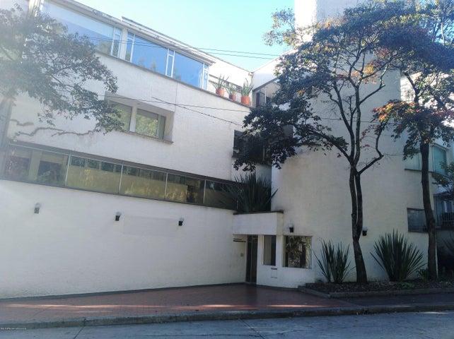 Apartamento Bogota D.C.>Bogota>Altos del Chico - Venta:730.000.000 Pesos - codigo: 20-434