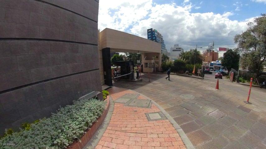 Apartamento Bogota D.C.>Bogota>Santa Barbara - Venta:950.000.000 Pesos - codigo: 20-438