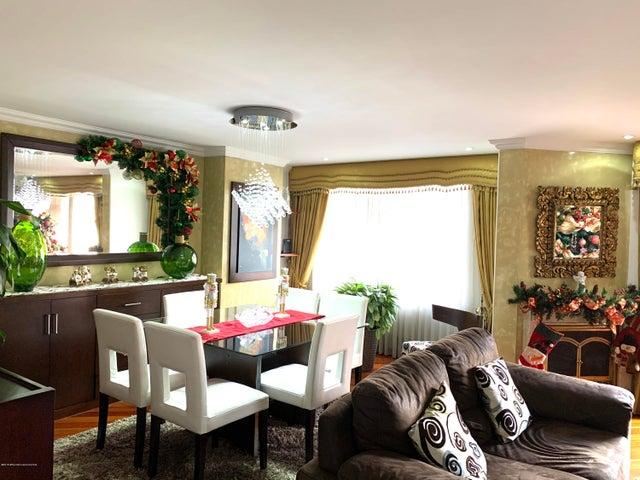 Apartamento Bogota D.C.>Bogota>Santa Barbara Central - Venta:620.000.000 Pesos - codigo: 20-116