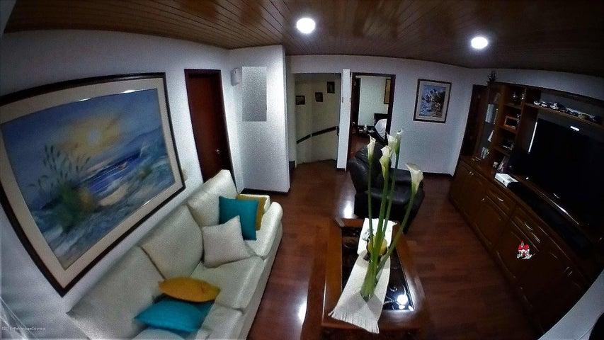 Casa Bogota D.C.>Bogota>Belmira - Venta:950.000.000 Pesos - codigo: 20-719