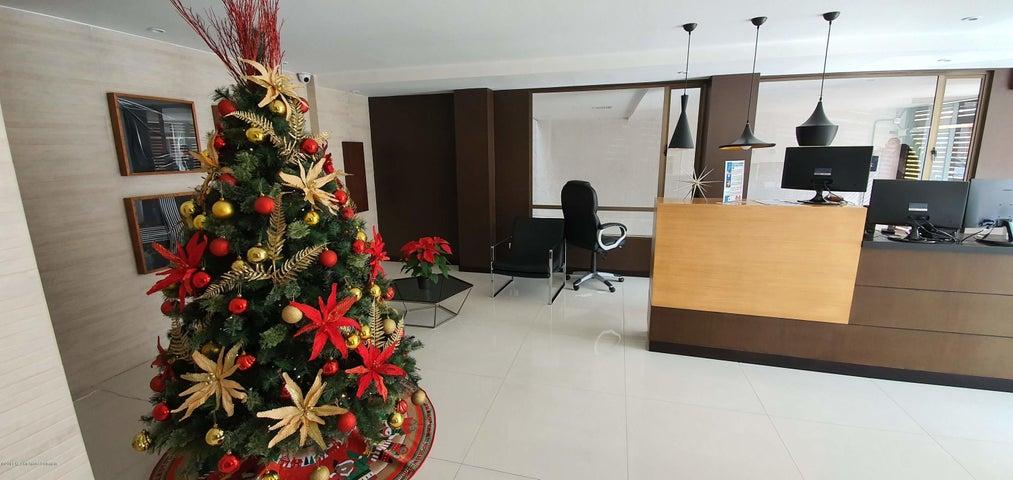 Apartamento Bogota D.C.>Bogota>Santa Barbara Central - Venta:500.000.000 Pesos - codigo: 20-763