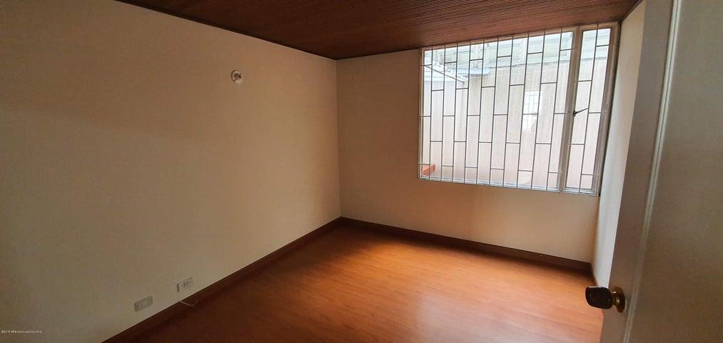 Apartamento Bogota D.C.>Bogota>Santa Barbara - Venta:440.000.000 Pesos - codigo: 20-761