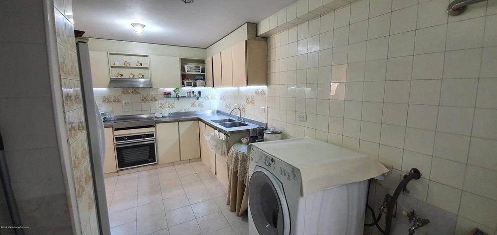 Apartamento Bogota D.C.>Bogota>Santa Barbara - Venta:500.000.000 Pesos - codigo: 20-755