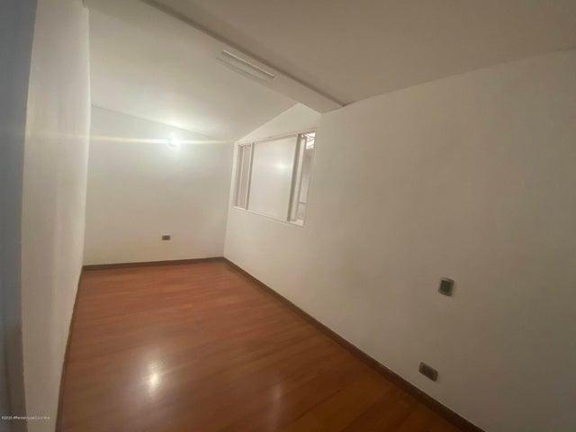 Apartamento Bogota D.C.>Bogota>El Nogal - Arriendo:2.500.000 Pesos - codigo: 20-1443