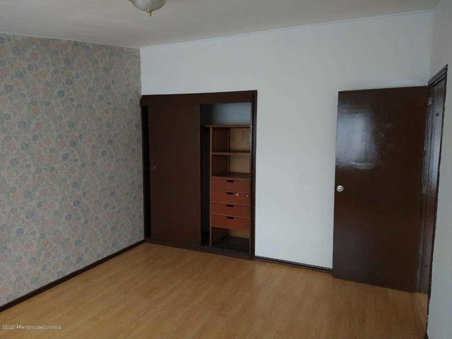 Casa Bogota D.C.>Bogota>Alcazares - Arriendo:4.000.000 Pesos - codigo: 21-99
