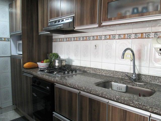 Apartamento Bogota D.C.>Bogota>Hayuelos - Venta:395.000.000 Pesos - codigo: 21-140