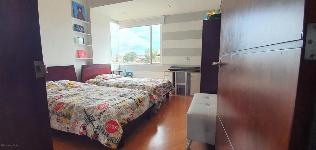 Apartamento Bogota D.C.>Bogota>La Floresta - Venta:430.000.000 Pesos - codigo: 21-250