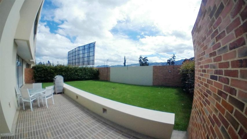 Casa Cundinamarca>Cajica>Calahorra - Venta:840.000.000 Pesos - codigo: 21-292